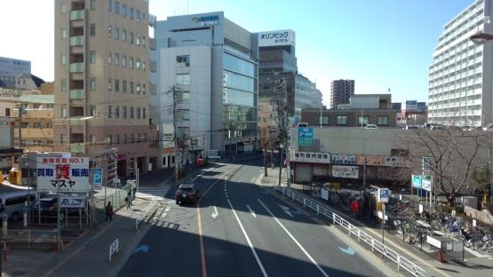 立川北駅: 県道たか風呂